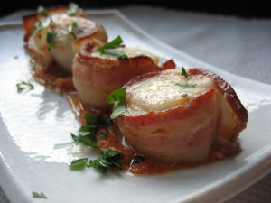 scallops 300x225 Bacon Wrapped Scallops