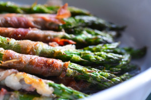 Paleo Roasted Prosciutto Wrapped Asparagus